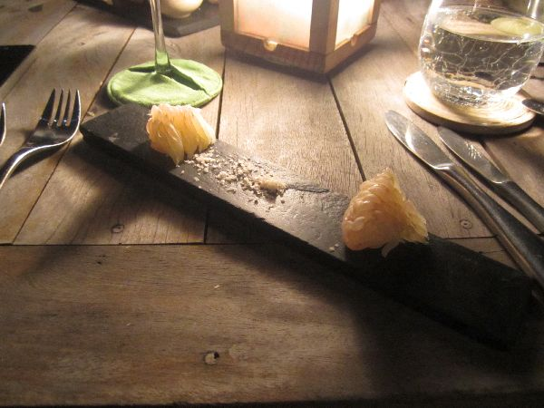 Pomelo Dining on the Rocks