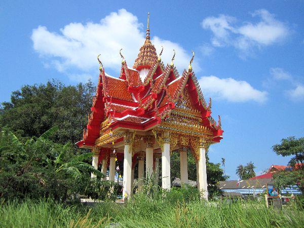 Kleiner tempel bei wat plai laem